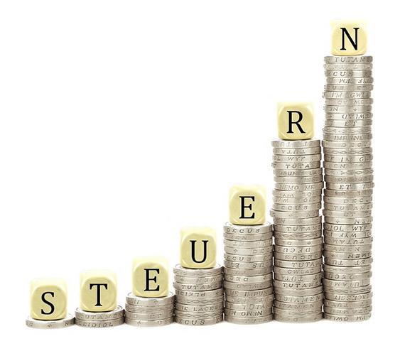 Wer steigt schneller? Die Inflation oder die Steuereinnahmen?